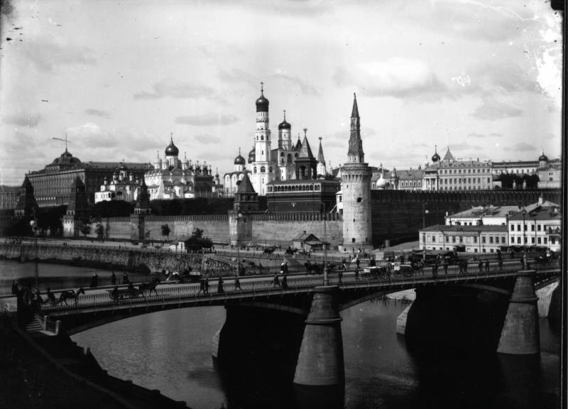 Учеба в Москве братьев Весниных